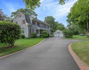 57 Clay Pitts Rd, Greenlawn image