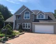 21 Clover Meadow Ct, Holtsville image