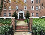 811 Bronx River Road Unit 2E, Bronxville image