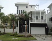 3330 Nw 84th Ct, Doral image