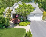 7 Rolling Wood Ct, Hauppauge image