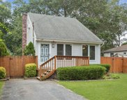 139 Pine St, Patchogue image