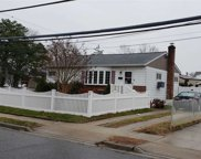 111 Maple Ave, Bethpage image