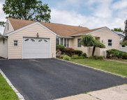 1240 Campbell Rd, Wantagh image