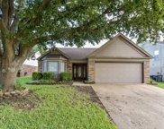 2540 Creekwood Lane, Fort Worth image