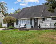 133 Mill Dr, Levittown image
