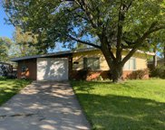 4526 Lilac Avenue, Glenview image