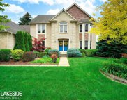 8915 Chestnut Run Dr, Shelby Twp image