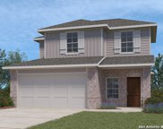 189 Middle Green Loop, Floresville image