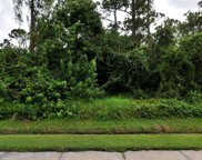 662 SE Thornhill Drive, Port Saint Lucie image