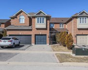 71 Cedarcrest Cres, Richmond Hill image