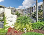 600 Parkview Dr Unit 627, Hallandale image