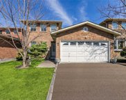 5 Park Lane Circ, Richmond Hill image