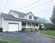 39 Driftwood Ln, East Moriches image