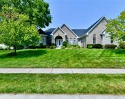 722 Willow Pointe South Drive, Plainfield image