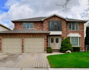126 Monte Vista  Crescent, London image