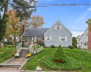 33 Cresthill  Road, Yonkers image