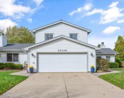 3S110 Bayview Court, Warrenville image