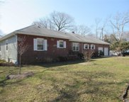 1 Oaks Ct, Brightwaters image
