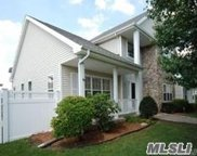 2 Clover Meadow Ct, Holtsville image
