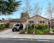 826 Cuesta Dr, Mountain View image