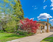 405 S Dryden Place, Arlington Heights image