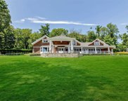 946 West Shore Rd, Mill Neck image