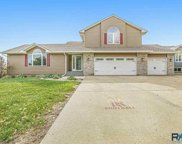 7101 W Selkirk Trl, Sioux Falls image