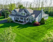 52 Chateau Dr, Manorville image