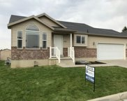 513 E Red Oak Dr N, North Logan image