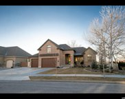 10614 S Crescent Bend Dr, Sandy image