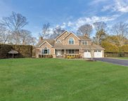 15 The Helm, East Islip image