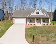 421 Meadowfield Run, Clemmons image