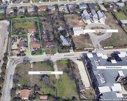 1411 E Sandalwood Ln, San Antonio image