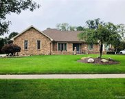 54143 Algonquin Dr, Shelby Twp image