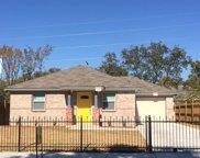 3217 Hanger Avenue, Fort Worth image