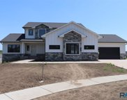 2002 S Meadowview Cir, Sioux Falls image