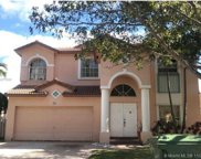 951 Nw 185th Ter, Pembroke Pines image