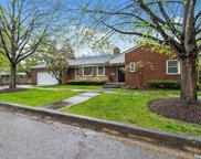 405 Pine Court, Lake Bluff image
