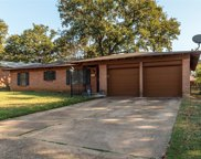 6412 Brentwood Drive, Fort Worth image