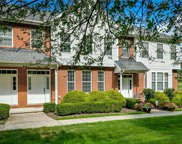 102 Lakeview Ct, Adams Twp image