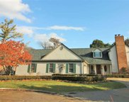 4 LAKESIDE COURT, Grosse Pointe image