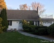 12 Cresthill  Road, Yonkers image