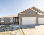 7916 S Pinewood Ave, Sioux Falls image