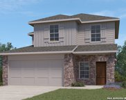 208 Middle Green Loop, Floresville image