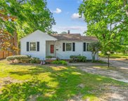 16 E Commodore Drive, Newport News Midtown West image