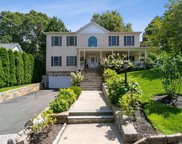 94 Holland  Place, Hartsdale image