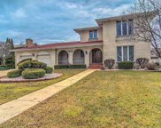 9846 Twin Creek Boulevard, Munster image