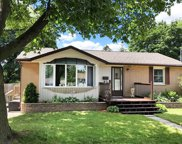 206 Lee Ave, Whitby image