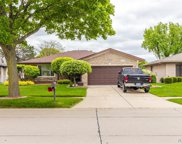 39322 Pinebrook Dr, Sterling Heights image